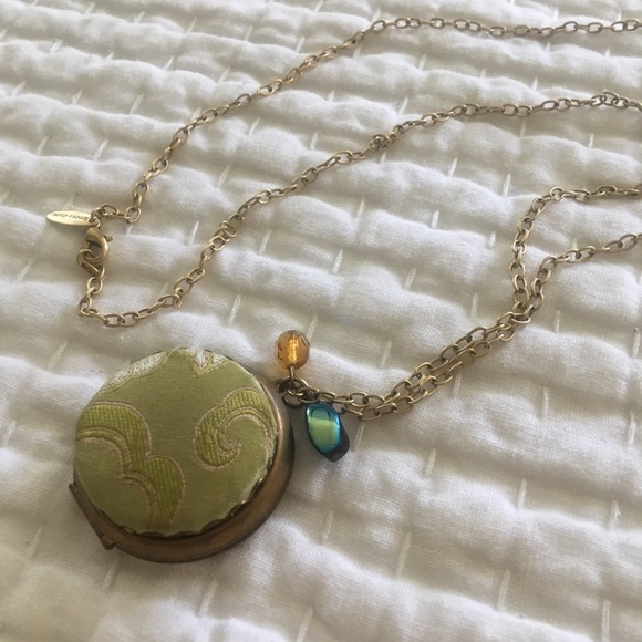 Anthropologie Jewelry - ANTHROPOLOGIE locket necklace